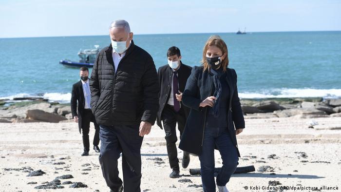 گیلا گاملیل (راست)، وزیر حفظ محیط زیست اسرائیل به همراه بنیامین نتانیاهو، نخستوزیر این کشور