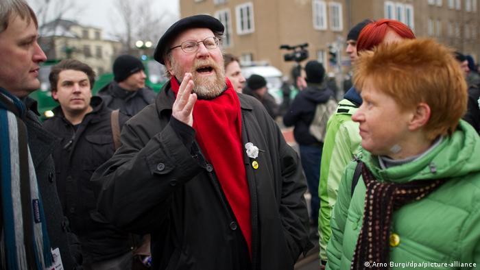 Deutschland Ex-Bundestagspräsident Wolfang Thierse Demonstration Protest gegen Neonazi-Aufmarsch in Dresden