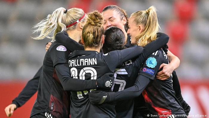 Fussball, UEFA Women's Champions League, FC Bayern München - Ajax Amsterdam