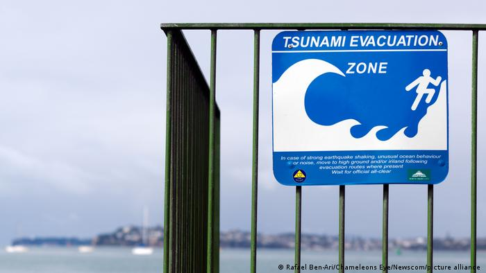 New Zealand tsunami warning