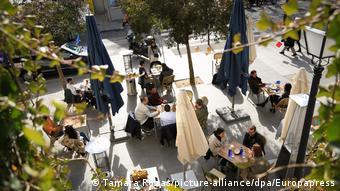 Εικόνες χαλάρωσης. Η Μαδρίτη έχει τα περισσότερα κρούσματα στη χώρα και τις περισσότερες ελευθερίες
