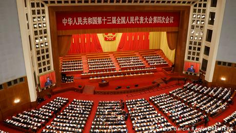 """""""Μεθυσμένη"""" από επιτυχία η Κίνα στην πανδημία"""