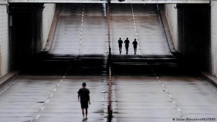 Džogiranje praznim ulicama tokom lokdauna u Braziliji