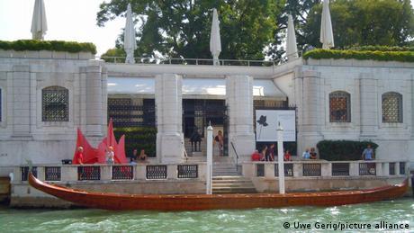 Internationaler Frauentag | Galerie Peggy Guggenheim am Canal Grande in Vendig