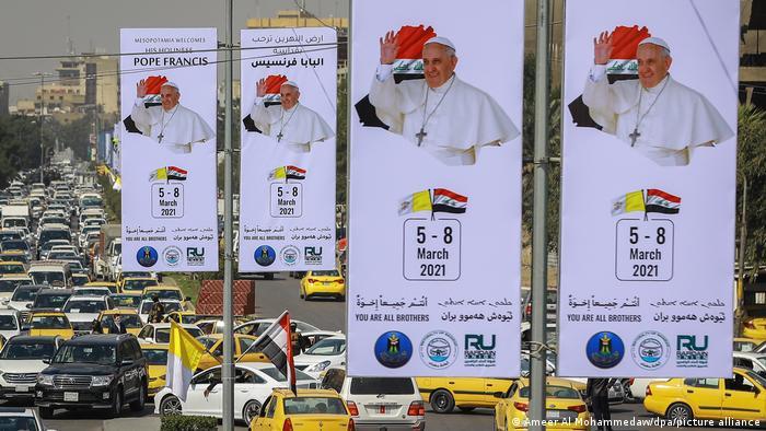 تزیین خیابانهای بغداد برای سفر پاپ فرانسیس