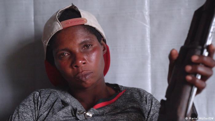 Demokratische Republik Kongo | Rebellengruppe : Mama Faida: Ich schlafe mit meiner Waffe, wie mit einem Baby