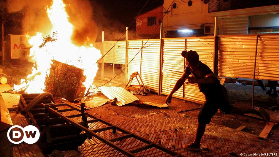 Image Paraguay: President calls on cabinet to resign after protests over COVID response