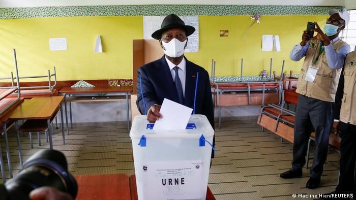 Alassane Ouattara casting his ballot in the city of Abidjan