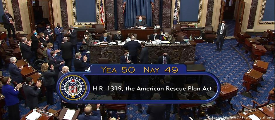 Inside the US Senate as the results of the vote are read out: Yea 50 Nay 49