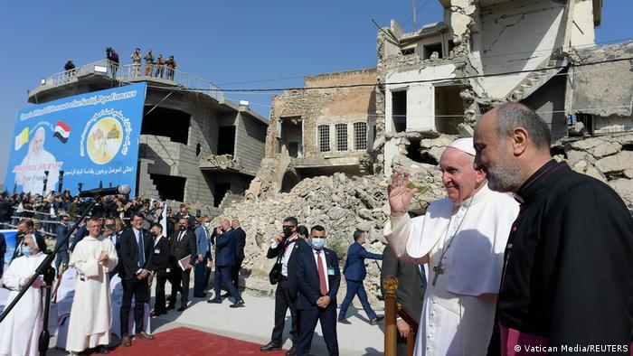 پاپ در موصل؛ شهری که سالها در اشغال نیروهای داعش بود.