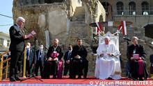 البابا يصلي لأرواح ضحايا الحرب في مدينة الموصل بتاريخ 7 مارس/ آذار 2021