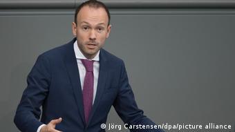 Бывший депутат бундестага Николас Лёбель, сложивший полномочия из-за так называемого масочного скандала