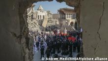 Irak | Besuch von Papst Franziskus umgeben von zerstörten Kirchen