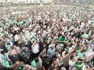 صحنهای از تجمع مردم تبریز به طرفداری از موسوی، عکس از آرشیو