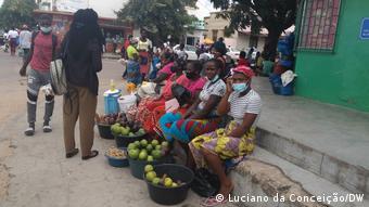 Afrika Wirtschaftliche Barrieren und Gewalt prägen das Leben von Frauen in Inhambane