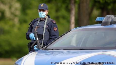 Ιταλία: Έφοδοι της αστυνομίας σε σπίτια αντιεμβολιαστών