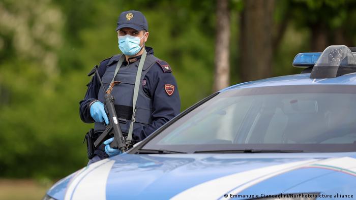Italien | Coronavirus | Polizeikontrollen
