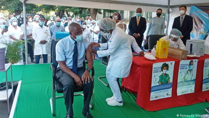 Mosambik | Coronavirus | Impfkampagne | Armindo Tiago