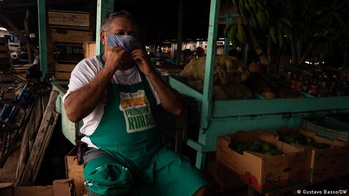 José Freitas, 69 anos, vendedor de alimentos no mercado municipal de Itaituba/PA