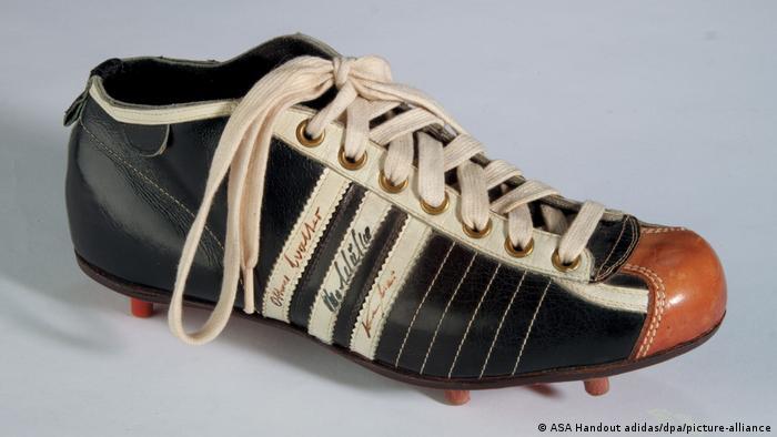 Sport Fußball 1954: Adidas-Fußballschuh von Fritz Walter