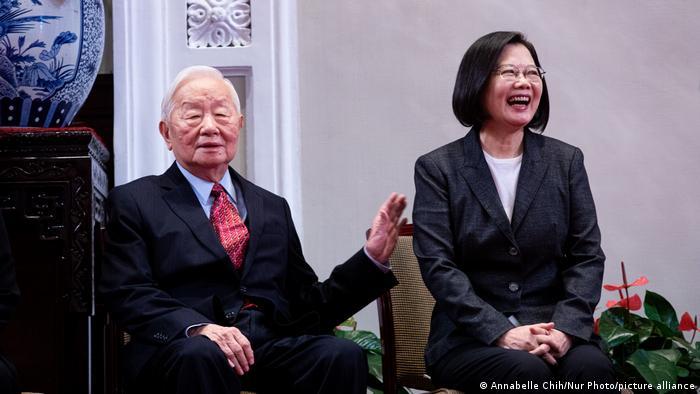 Taiwan l Präsidentin Tsai Ing-Wen tirfft Morris Chang, TSMC