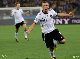Лукас Подольскі - нападник збірної ФРН - на грі проти Австралії