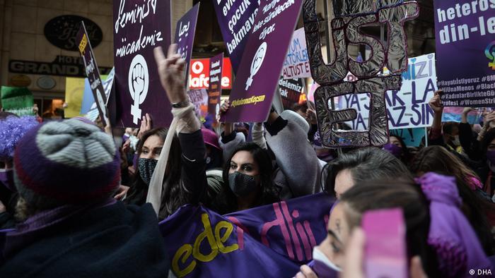 6 Mart'ta kadın örgütlerinin düzenlediği eylemden