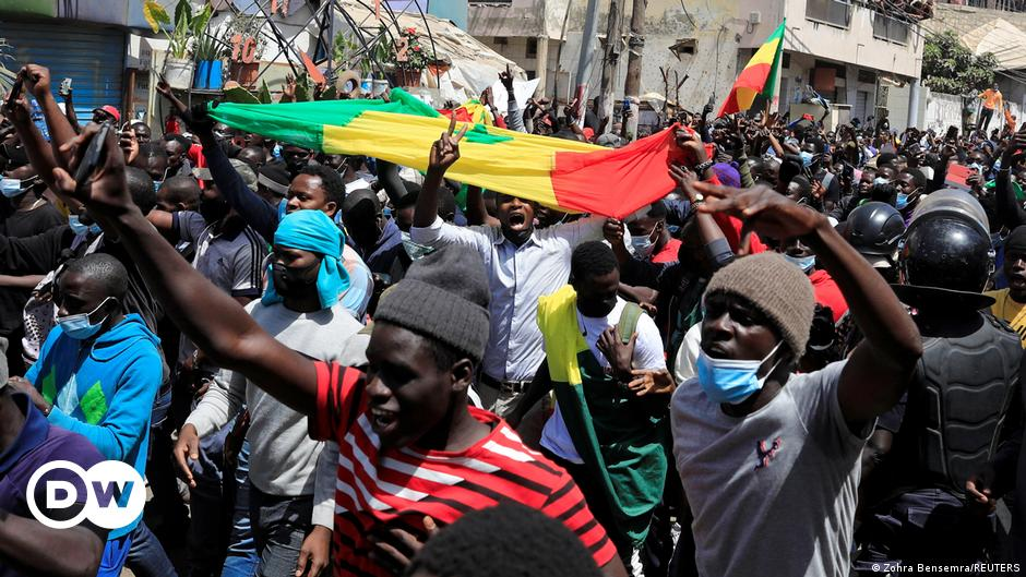 Senegal opposition leader freed amid new clashes