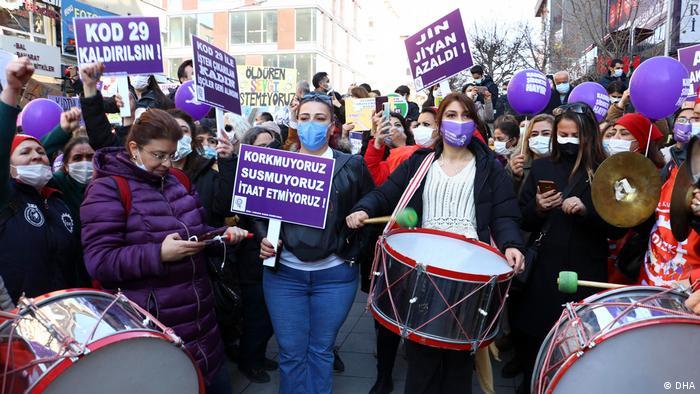 Dünya Kadınlar Günü nedeniyle Ankara'da da eylem düzenlendi