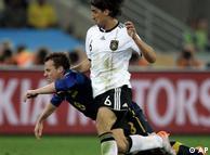 Сами Кедира в  ходе игры против сборной Австралии