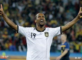 Cacau jogará com a camisa alemã contra o Brasil