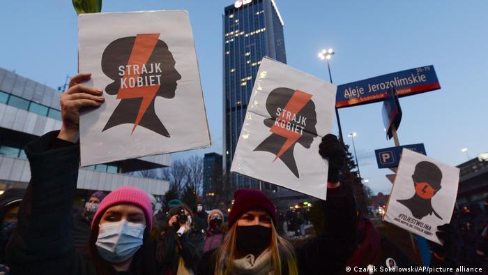 Protest przeciwko zaostrzeniu przepisów aborcyjnych w Polsce w Międzynarodowym Dniu Kobiet 8 marca 2021 r.