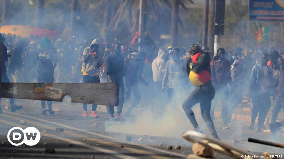 why-senegal-protesters-back-ousmane-sonko-despite-rape-charges