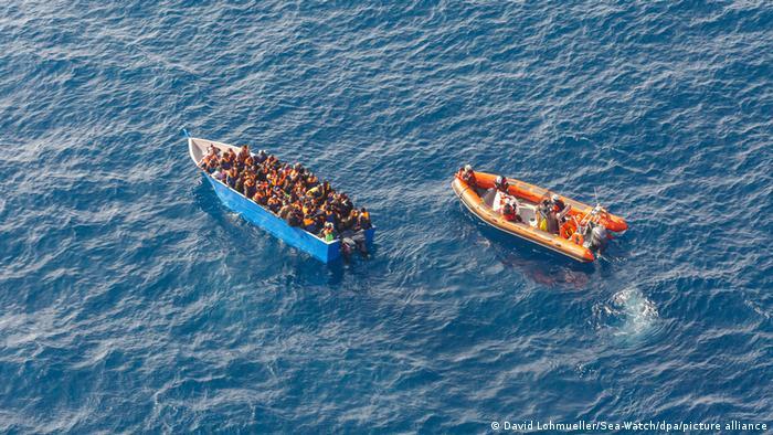 Πρόσφυγες στη Μεσόγειο