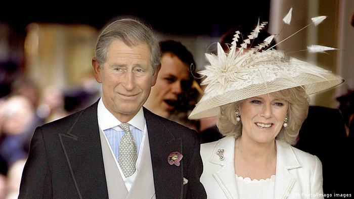 Prinz Charles und seine zweite Frau Camilla Parker Bowles bei ihrer Hochzeit in Windsor