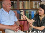 Hilmar Mahron  nga Kryqi i Kuq në bisedë me Deutsche Wellen.