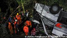 Schulbusunfall in Indonesien