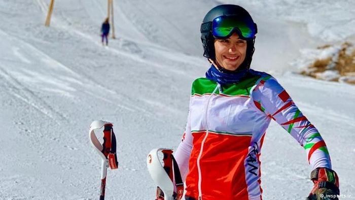 عاطفه احمدی، ملیپوش اسکی ایران