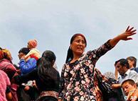 Refugiados uzbeques na cidade de Osh