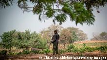 Nigeria Kaduna | Polizeieinheit steht Wache in Unguwar Busa