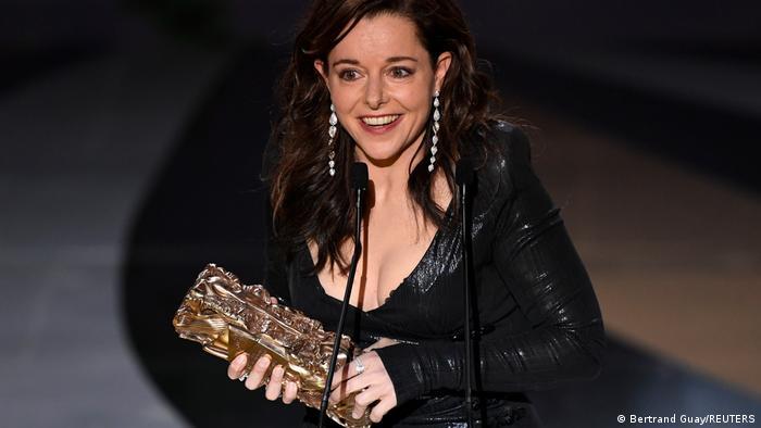 جایزه بهترین بازیگر نقش اول زن در این دوره از مراسم سزار به لوری کالامی اهدا شد. این هنرپیشه فرانسوی که اکنون دو دهه است، فعالیت دارد، این جایزه را به خاطر نقشآفرینی در فیلم آنتوانت در سهون دریافت کرد.
