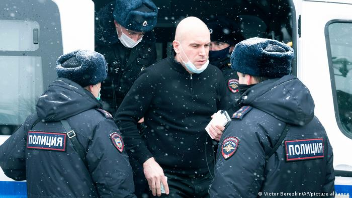 Russland Razzia l Festnahme unabhäniger Mitglieder von Gemeinderäten