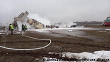 Kasachstan l Flugzeugunflück bei Almaty
