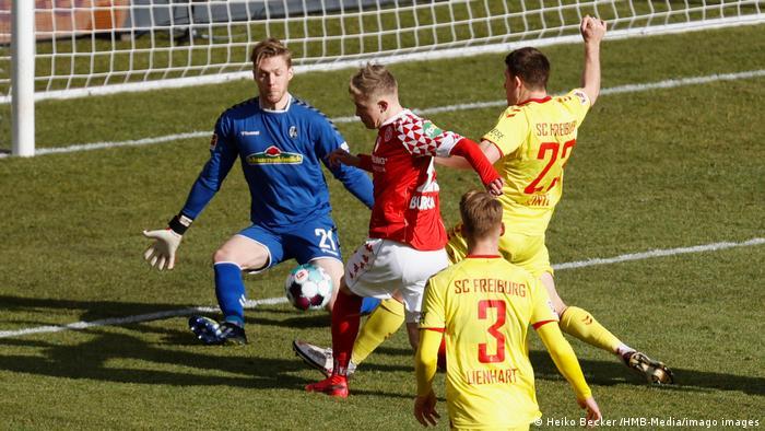 Bundesliga 25. Spieltag l Mainz 05 vs SC Freiburg l Torchance, Burkhardt