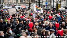 Deutschland |Proteste gegen die Corona-Einschränkungen in Berlin