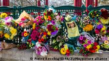 March 13, 2021, London, United Kingdom: Flowers are being left at the Clapham Common bandstand not far from where Sarah Everard went missing during the vigil organized by Reclaim the streets..A London Metropolitan Police officer has been charged with the kidnap and murder of Sarah Everard (Credit Image: © Pietro Recchia/SOPA Images via ZUMA Wire