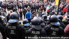 Deutschland Dresden | Querdenken Protest gegen Coronamaßnahmen