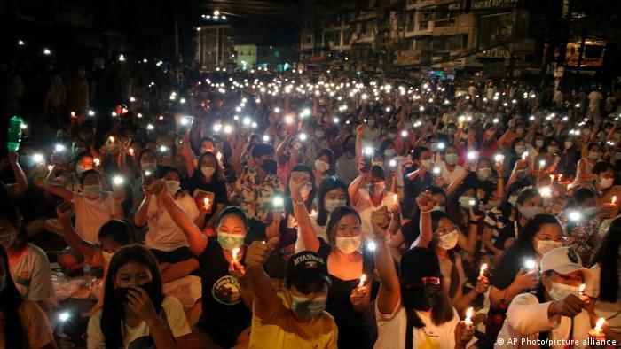 Акція протесту в Янгоні