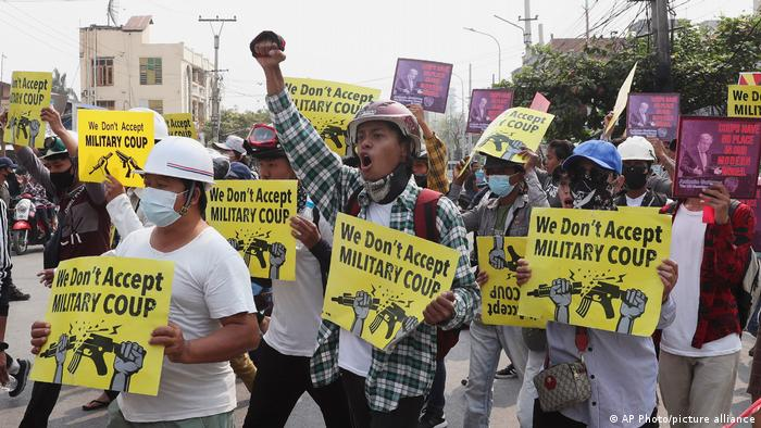 Myanmar Protest gegen Militär Mandalay