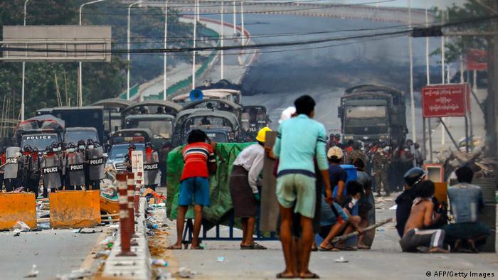 Під час протестів у Янгоні